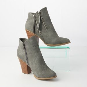 Journee Collection Vally Double Zipper Ankle Boots